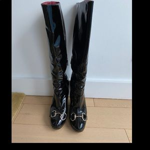 GUCCI PATENT LEATHER BIT KNEE BOOTS
